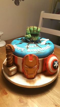 Avengers cake - Visit to grab an amazing super hero shirt now on sale! Avengers Birthday Cakes, Superhero Birthday Party, Boy Birthday, Marvel Cake, Marvel Avengers, Bolo Angry Birds, Avenger Cake, Superhero Cake, Cakes For Boys