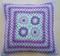 il turchese lila e viola all'uncinetto granny di handmadebyria, $40,00