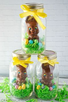 easter decorations 490962796867436724 - Mason Jar Chocolate Easter Bunny Gifts – Crafty Morning Source by danpotik Ostern Party, Diy Ostern, Easter Candy, Hoppy Easter, Easter Food, Easter Eggs, Easter Snacks, Easter Chick, Easter Recipes