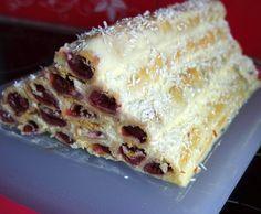 Russische Torte Monastirskaja isba (Kirschröhrchen mit Creme fraiche-Creme)
