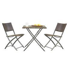 Die 3-teiligen Gartenmöbel aus dem Hause AMBIA bestehen aus einem Tisch und 2 passenden Stühlen. Dadurch gestalten Sie Ihren Balkon ansprechend und gemütlich.