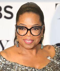 Oprah's Eye Glasses Are The Best - Oprah's Glasses Brands Glasses For Round Faces, Funky Glasses, New Glasses, Cat Eye Glasses, Round Lens Sunglasses, Sunglasses Women, Vintage Sunglasses, Oprah Glasses, Glasses Brands