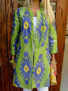 Have always loved periwinkle and limegreen.Spring Green Ikat Coat by CJ Laing Batik Fashion, Fashion Over 50, All About Fashion, Fashion Prints, Boho Fashion, Fashion Outfits, Online Boutique Stores, Asian Fabric, Recycled Dress
