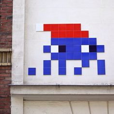 Space Invader in Paris, France #paris #wallmurals #amazingurbanart #worldsbeststreetartists #freewalls #graffiti #art #invader