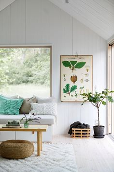 8 objects for a gold decor - HomeCNB Living Room Trends, Interior Design Living Room, Living Room Decor, Interior Decorating, Design Interior, Turbulence Deco, Compact Living, Contemporary Interior, Bungalow