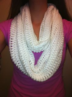 White Crochet Cowl #freepattern