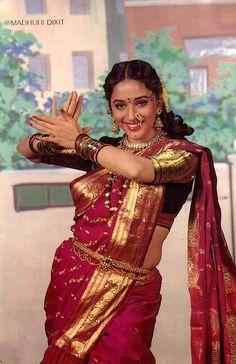 Throw back photo of Madhuri dixit Bollywood Girls, Vintage Bollywood, Bollywood Saree, Bollywood Fashion, Maharashtrian Saree, Marathi Saree, Hindi Actress, Bollywood Actress, Madhuri Dixit Saree