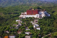 travelingcolors:    The imperial mountain resort of Cheng De | China (by H Sinica| viaevysinspirations)