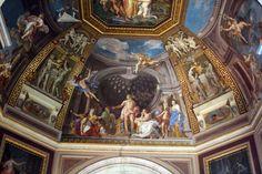 What can you see in the Vatican ? 🤔 Have a look 😳 ماذا يمكنك ان ترى في متحف الفاتيكان ؟ 🤔 إلق نظرة هنا 😳 #easttowestadventures #travelbloggers #travelphotography #Rome #Vaticancity #pantheon #colusseum #stpetersbasilica #trevifountain #Italy #Europe #museums #trevifountain #makeawish #تصويري #مدونة #سفر #سافر #مسافرون #مسافرون_العرب #مغامرات_من_الشرق__الى_الغرب  #ايطاليا #روما #الفاتيكان #نافورة_تريفي #بانثيون #كولوسيوم #اوروبا