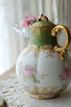 lovely vintage tea pot, love the pink and green colors....