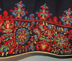 FolkCostume&Embroidery: Bunad and Rosemaling embroidery of upper Hallingdal, Buskerud, Norway Hungarian Embroidery, Folk Embroidery, Embroidery Stitches, Embroidery Designs, Indian Embroidery, Textiles, Chain Stitch, Cross Stitch, Folk Costume