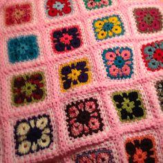 Afghaanse bloem bewerkt tot een vierkantje