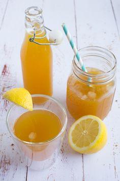 Recette de limonade légère au citron et fleur d'oranger boisson rafraichissante pour l'été