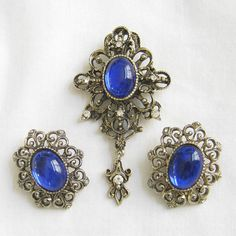 Vintage Cobalt Blue Poured Lucite and Clear Rhinestone Dangle Filigree Brooch and clip-on Earrings Demi Parure Set