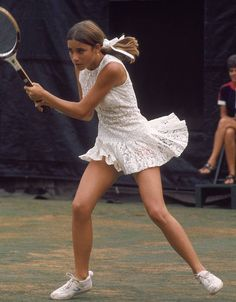The Most Stylish Olympians of All Time - The Most Stylish Olympians of All Time With lace, frills, tuxedos, stripes and scalloped edges, who knew Tennis was so fashionable! We think Chris Evert's outfit in the US Open in 1971 is very on-trend for now… Sport Treiben, Sport Tennis, Mode Tennis, Tennis Whites, Jones Fashion, Mode Lolita, Vintage Tennis, Vintage Sport, Tennis Players Female