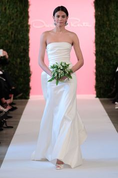 Oscar de la Renta Spring 2015. See all of the best looks from Bridal Week here.