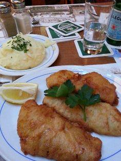 Daniel Wischer in Hamburg, Germany Fish Chips is crisp and very good! GoldbarschFilet im Bierteigmantel mit frischem Kartoffel-Pürrée http://www.danielwischer.de/restaurant0.html
