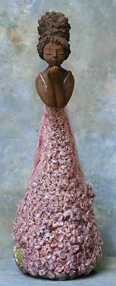 Hilda Soyer … Plus Sculptures Céramiques, Art Sculpture, Pottery Sculpture, Clay Dolls, Art Dolls, Ceramic Pottery, Ceramic Art, African American Figurines, Pottery Angels