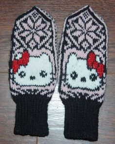 KittySelbu mittens are made for teenagers or people young at heart ; Knitted Mittens Pattern, Knit Mittens, Knitted Gloves, Knitting For Kids, Knitting Projects, Baby Knitting, Wrist Warmers, Hand Warmers, Knitting Stitches