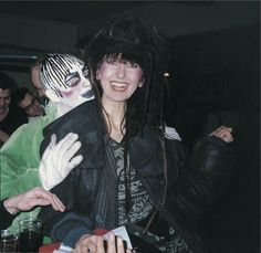 Leigh Bowery and Gerlinde Costiff at Taboo, London, 1985 - The Cut Fetish Fashion, 80s Fashion, London Fashion, Club Fashion, Leigh Bowery, Katharine Hamnett, Blitz Kids, Looks Party, Disco Funk