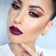 """Intense.Bold.Daring #MOTD @anastasiabeverlyhills Brow Wiz and Clear Brow Gel @meltcosmetics Unseen, Enigma, Blurr, Love Sick, Amelie shadows on the eyes @houseoflashes """"Iconic"""" lashes @meltcosmetics Dark Room lipstick with Mac Nightmoth lip pencil on the lips #meltcosmetics"""