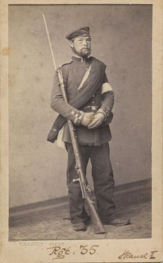 Ukendt dansk soldat fra 1864 med bajonet / Unknown Danish soldier from Second Schleswig War with bayonet Ancient Egyptian Art, Ancient Greece, Ancient Aliens, Military Art, Military History, European History, American History, German Uniforms, Military Uniforms