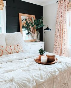 boho vibed bedroom w