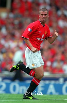 There's only one Keano Man Utd Squad, Roy Keane, Sir Alex Ferguson, Premier League Champions, Football Pictures, Fa Cup, Man United, Manchester United, Soccer