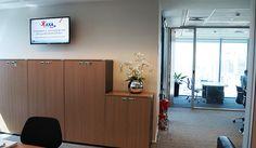 TV Corporativa AXA Seguros Divider, Furniture, Home Decor, Couple, Photos, Homemade Home Decor, Home Furnishings, Interior Design, Home Interiors