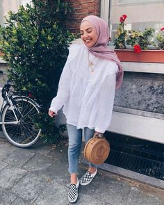 Blouse For Hijab Outfit Hijab Fashion Summer, Modern Hijab Fashion, Street Hijab Fashion, Hijab Fashion Inspiration, Muslim Fashion, Mode Inspiration, Fashion Outfits, Modest Fashion, Abaya Fashion