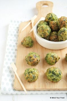 Spinach balls with cheese - Tapas Recipes, Raw Food Recipes, Vegetable Recipes, Healthy Recipes, Vegetarian Tapas, Vegetarian Recipes, Vegetable Snacks, Food Porn, Brunch