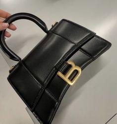 Numeral Romano, Bling Bling, Ankle Boots, Balenciaga Bag, Balenciaga Handbags, Cute Bags, Backpack Purse, Luxury Bags, Luxury Purses