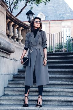 by Jenn Camp    Photos via: The Vivaluxury Annabelle of the blog The Vivaluxury was spotted in an elevated spin on one of our favorite go-tos for spring—the trench coat! The chic blogger brings it to