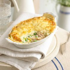 This is real comfort food – a tasty chicken pie in a delicious white sauce, topped with cheesy mashed potatoes. It is a great dish to store in the freezer for days when you don't want to cook. Cookbook Recipes, Pie Recipes, Baby Food Recipes, Cooking Recipes, Chicken Recipes For Toddlers, Quiche Recipes, Savoury Recipes, Cheese Recipes, Turkey Recipes
