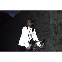 Proviz REFLECT360 - reflective cycling jacket - hi vis cycling jacket - high visibility cycling jacket - most reflective cycling jacket - waterproof cycling jacket - Nike Flash