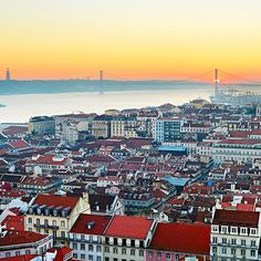 Just like Rome Lisbon was also built on seven hills and is known as citade das sete colinas the city of seven hills. However some people claim that this isn't historically accurate possibly on purpose just to make the city more similar to Rome. Either way - Lisbon is a truly beautiful!  #lisbon #portugal #travellinknordic #travellink #travelinspiration #travel #view
