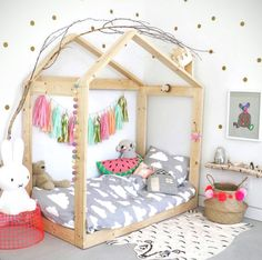 Top Bunk As Toddler Twin Bed Frame To Keep It Low To The