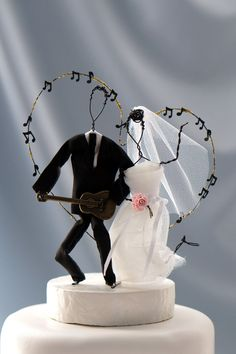 Wire figurine wedding cake topper, music cake topper, guitar cake topper, unique cake topper, gold cake topper, wedding cakes, wedding decos Music Wedding Cakes, Guitar Wedding, Music Cakes, Themed Wedding Cakes, Unique Wedding Cakes, Beautiful Wedding Cakes, Unique Cake Toppers, Gold Cake Topper, Wedding Cake Toppers