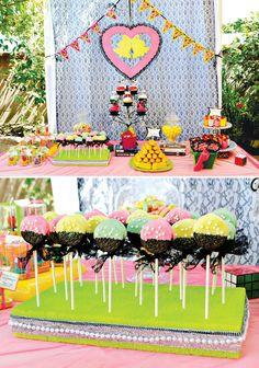Una mesa de dulces años 80 / An 80's-inspired sweet table