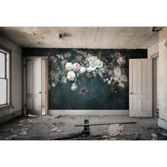 Faded Glory Garland cool design wallpaper/wall mural – Miss Lolo Large Wall Murals, Bold Wallpaper, Wallpaper Decor, Floral Wall, Faded Glory, Beautiful Wall, Designer Wallpaper, Wall Design, Interior Design Living Room