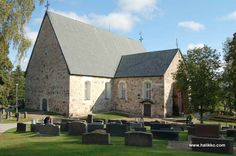 The history of Halikko Church dates back to the century. The wooden church… Grave Monuments, Old Churches, Graveyards, Place Of Worship, Neoclassical, 14th Century, Kirchen, Cathedrals, Finland