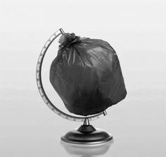 Save the planet trash art – Ocean Trash Save Our Earth, Save The Planet, Art Environnemental, Poesia Visual, Trash Art, Plastic Pollution, Environmental Art, Everyday Objects, Conceptual Art