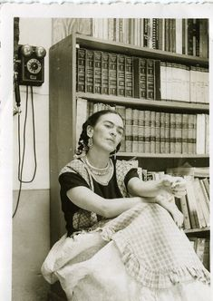 Frida in her study, ca. 1949 Photo by Antonio Kahlo, son of Cristina KahloCourtesy Frida Kahlo Museum Collection© Bank of Mexico Fiduciary in the trust relative to the Frida Kahlo Museum and Diego Rivera [content:shareblock] Diego Rivera, Natalie Clifford Barney, Frida E Diego, Frida Art, Mexican Artists, Mo S, Portraits, Mexico City, My Eyes