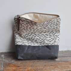 large pouch - waxed/rain by Bookhou