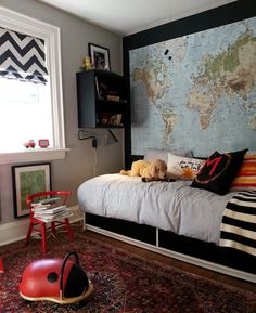 Wall map and window treatment! I want to do this for my boys room!