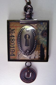 """Captured Memoirs"" Pin.  Instructions:  http://www.rangerink.com/projects/jewelry/projects_jewelry_timmitipin.htm"