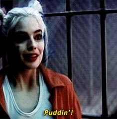 I love to see the surprised reaction when she sees her puddin in this gif :)