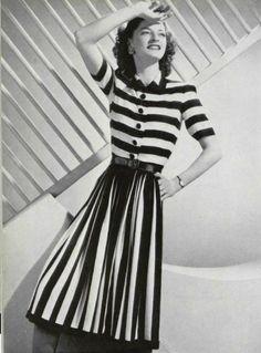 horizontal + vertical stripes    1940s vintage dress photo