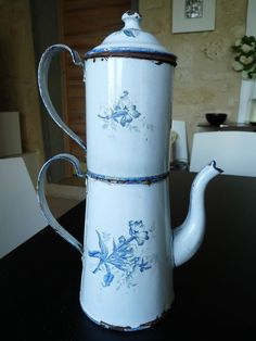 CAFETIERE EMAILLEE ANCIENNE ANTIQUE ENAMELED COFFEE POT