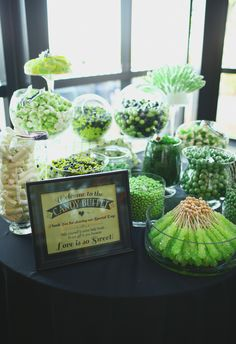 Sweets bar, rock candy, green candy buffet // j. Candy Buffet Tables, Dessert Buffet, Candy Table, Dessert Bars, Dessert Tables, Candy Bar Wedding, Wedding Desserts, Green Theme, Green Party